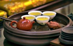 泡绿茶可以用紫砂壶吗?