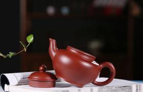 紫砂壶如何把玩,玩紫砂壶,小心不要被壶玩了