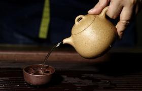 为什么会有紫砂壶调砂工艺,原料不是更好吗?