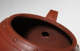 紫砂壶知识:紫砂壶会倒出茶叶?