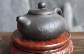 老紫砂壶怎么有烟熏味?