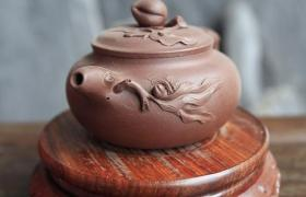 紫砂壶中的茶锈和茶垢有区别吗?需不需要清理?