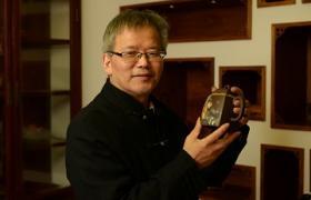 张志清紫砂壶大师简介-紫砂研究员级高级工艺美术师