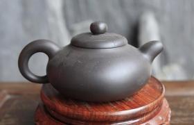 庄伟平紫砂壶大师简介-紫砂助理工艺美术师