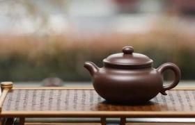 紫砂壶上的茶垢不能留,是为什么?