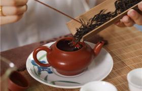紫砂壶可以同时泡多种红茶吗?