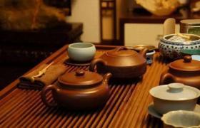 为什么都用紫砂壶喝茶?
