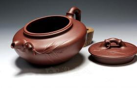 紫砂壶壶盖上都有气孔吗?