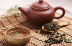 不同紫砂泥料泡的茶叶也是有所不同的