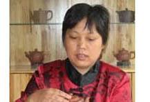 鲍志娟紫砂壶大师简介-紫砂国家级助理工艺美术师