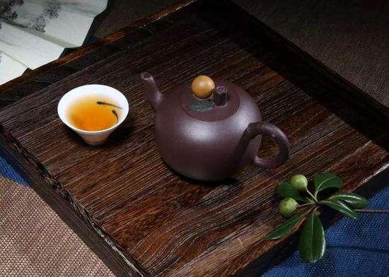 紫砂壶和化工壶怎样区分?