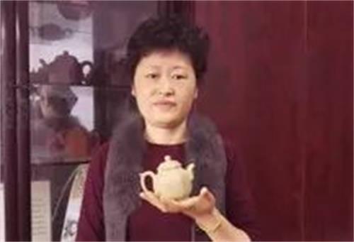 紫砂壶大师之陈依群